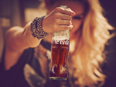 https://www.facebook.com/CocaColaPhilippines/?fref=ts