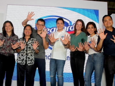 Alden Richards Safeguard Hugas