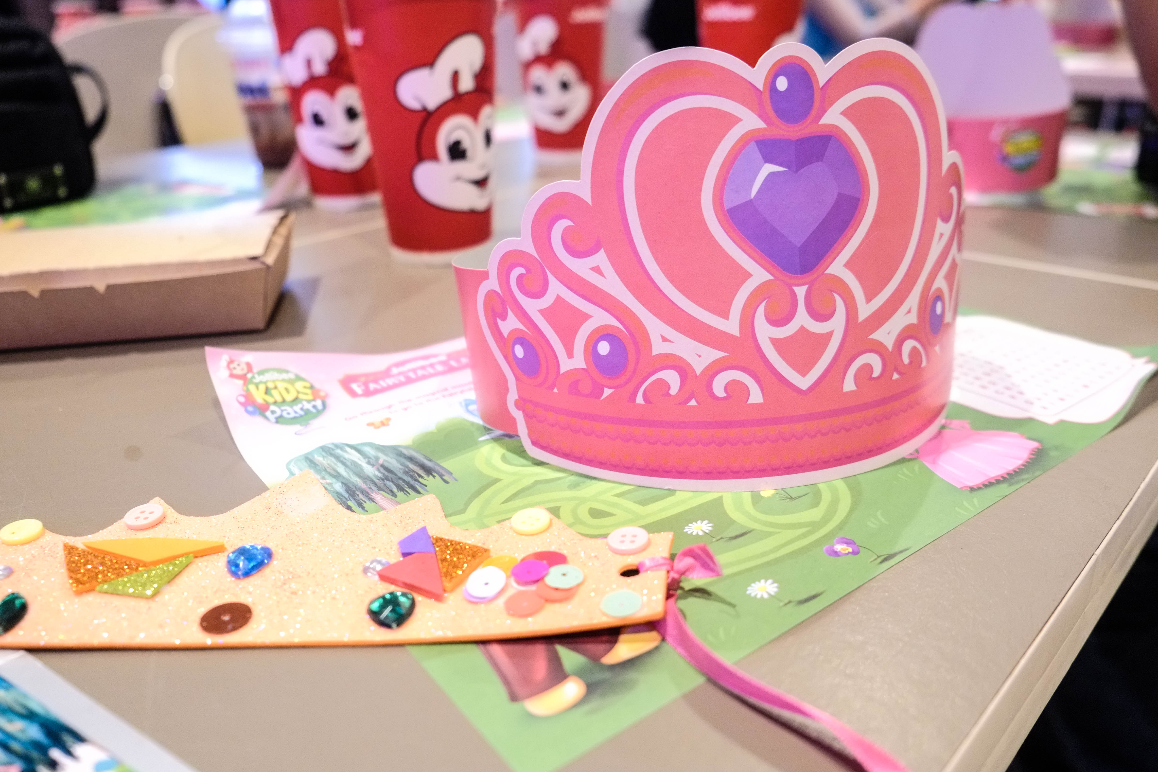 Book Your Kid S Next Party At Jollibee And Get The Jollibee